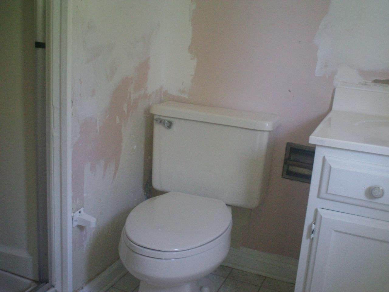 Advanced Handyman Services Project Photos Before And After - Bathroom reconstruction